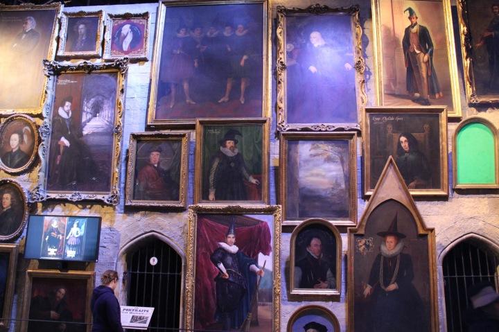 ハリー・ポッターで映画に使われた肖像画。スタッフの肖像もあるそうです。